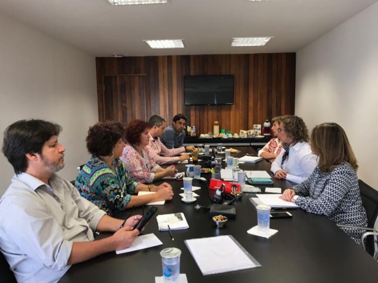 Negociação conquista melhorias no acordo de call center do Santander