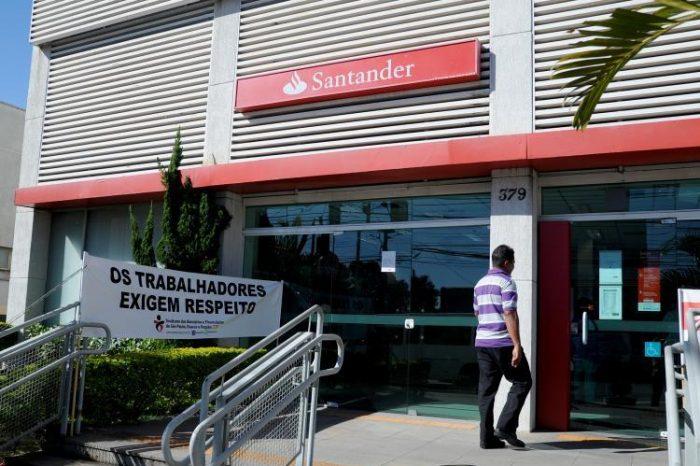 Fechamento de agência do Santander preocupa bancários