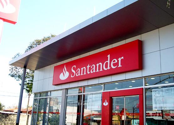 Gerente geral do Santander é demitido por cobrança de metas abusivas