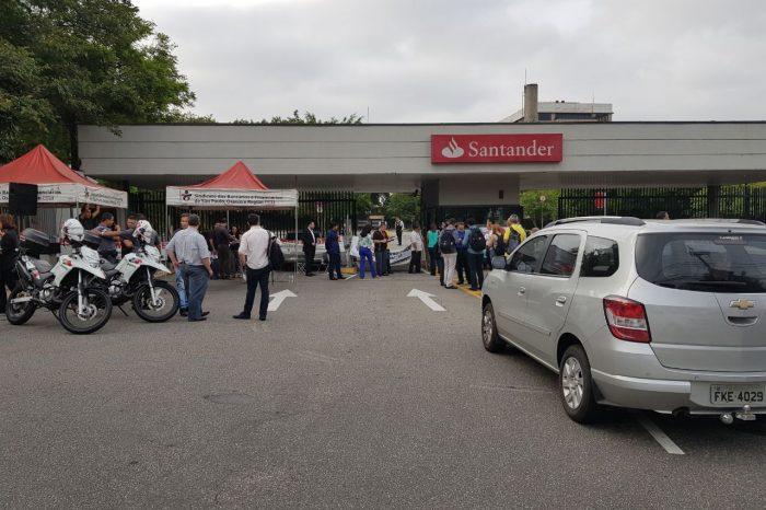 Bancários do Santander param em todo país contra reforma trabalhista