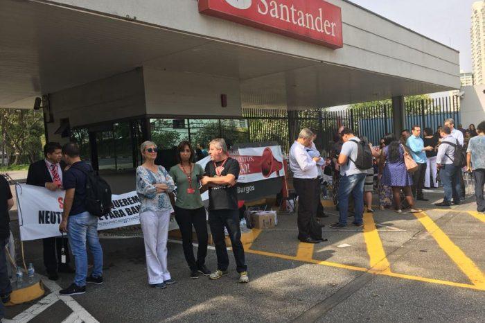 Protestos em concentrações e agências mostraram a força dos bancários do Santander