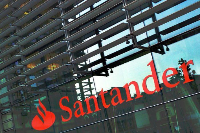 Santander contraria o próprio discurso meritocrático e reduz bônus de parte dos trabalhadores