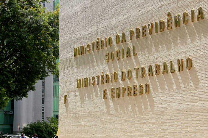 Especialistas criticam extinção do Ministério do Trabalho