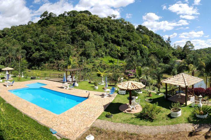 Comece bem o ano na pacata Monte Alegre do Sul (SP)