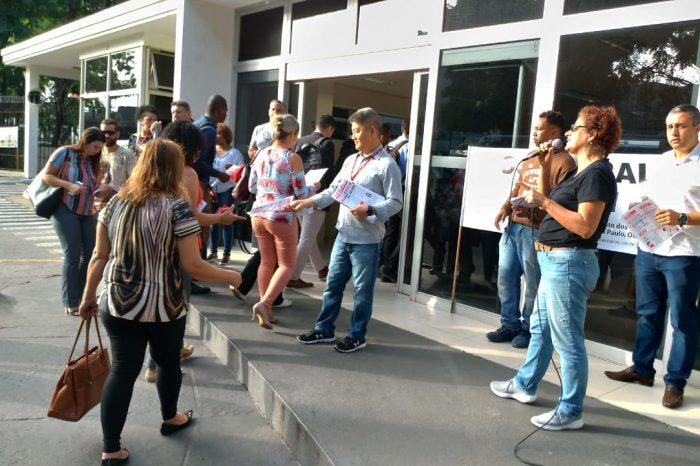 Descumprimento de acordo leva trabalhadores a protestarem no Vila Santander