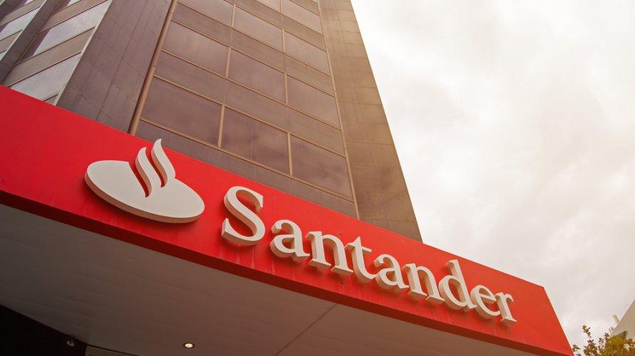 Regionais do Santander em SP deixam bancários expostos no autoatendimento