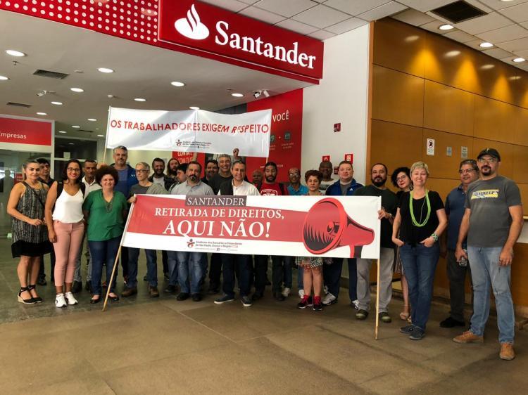 Santander recua, e agências não abrem no sábado 11