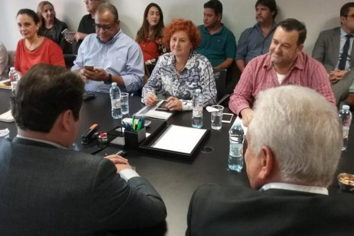 Dirigentes sindicais obtêm avanços parciais em negociação com Santander