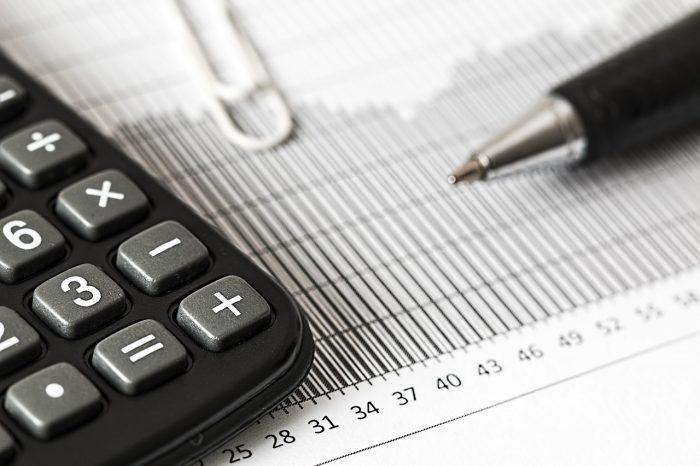 Defasagem na tabela do IR faz trabalhador pagar mais imposto