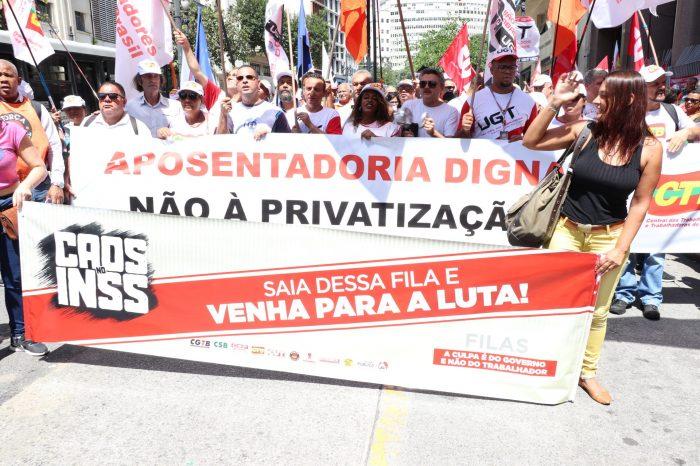 Afubesp participa de protesto contra o Desmonte da Previdência