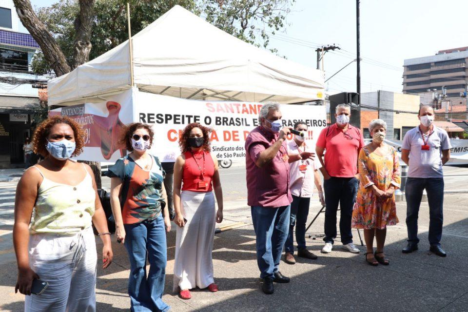 Desrespeito! Santander convoca trabalhadores para retornar do home office