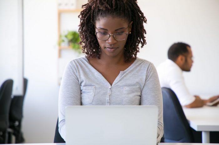 Mulheres negras ainda encontram barreiras no mercado de trabalho