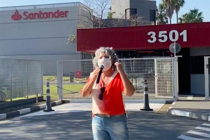 Sindicato protesta contra Santander pela terceirização da área de tecnologia